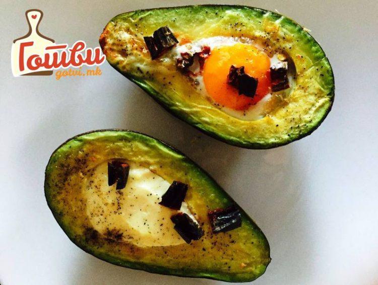 ЧИНИЈА ПОЛНА ВИТАМИНИ: Авокадо и јајца – и вкусно и здраво