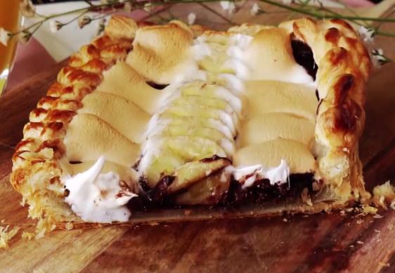 ВИДЕО: Ја исече питата и се разлеа чоколадо – највкусниот десерт