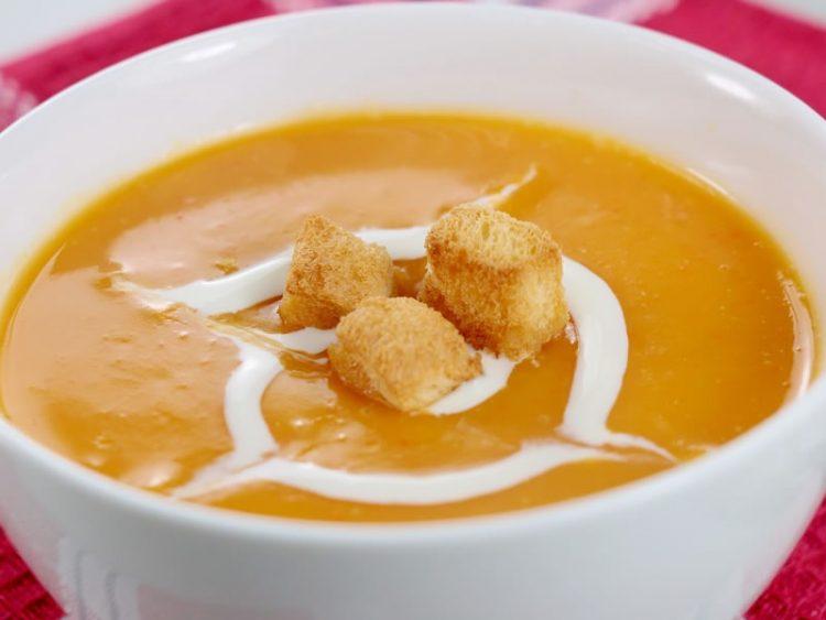Рецепт за чорба од печени моркови со кнедли
