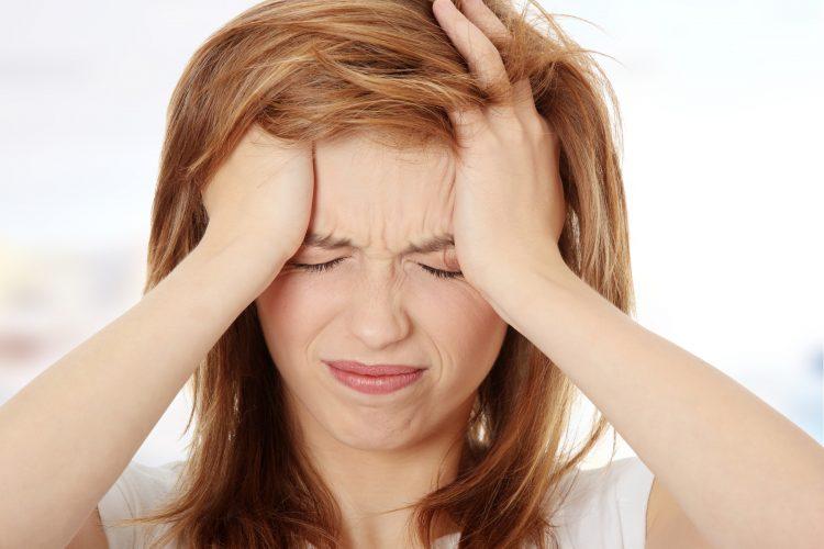 Ова НИКАКО не го јадете ако имате главоболки – еве како да си помогнете