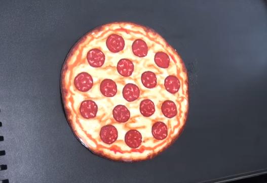 ВИДЕО: Мислевте дека ова е пица? – нема да верувате на очите