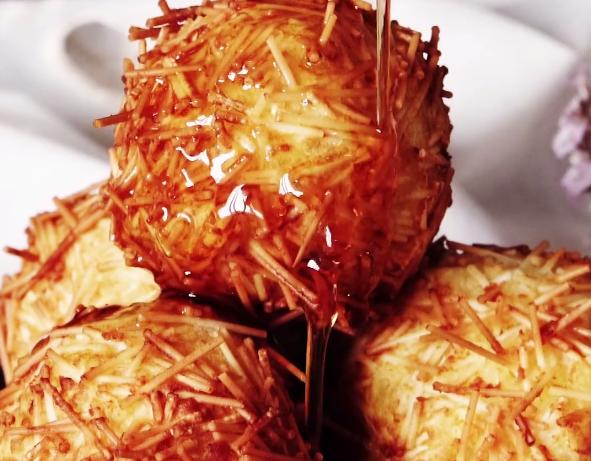 Деликатесни топчиња од месо и компири