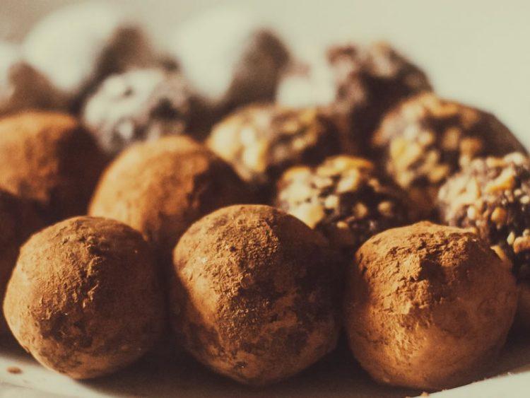 Направете неодоливи чоколадни тартуфи