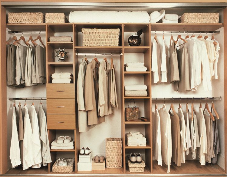 Џемперот го стави во ладилник – светнете ја гардеробата со трикови од кујната