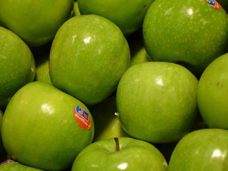 Знаете ли што значат броевите на налепниците на овошјето?