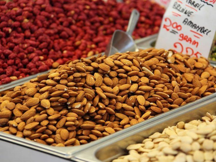 Знаете ли зошто е добро да јадете индиски ореви?