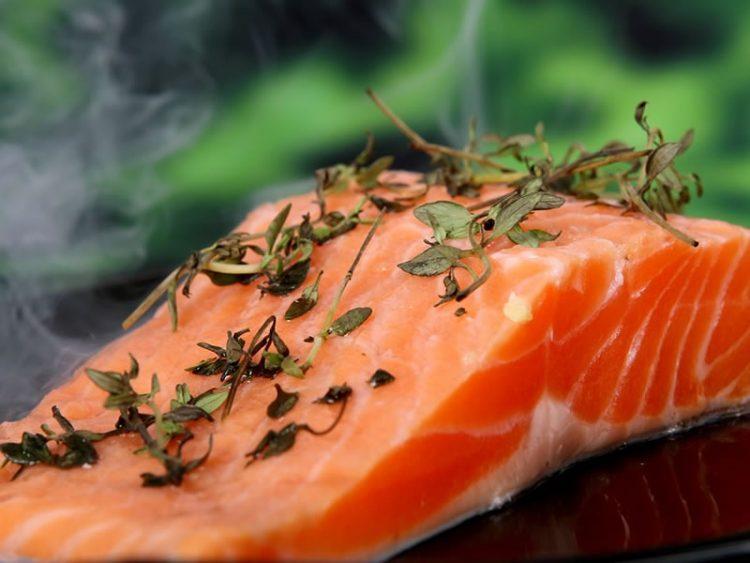 Риба-деликатес: Ослич со ореви и пармезан