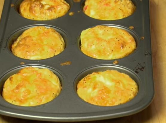 ВИДЕО: Вкусни омлет-мафини кои се топат во уста