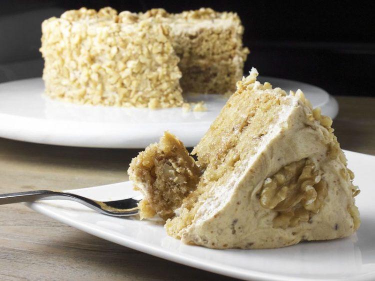 ПОСНА ЖИТО ТОРТА: Сочен десерт полн со витамин Б!