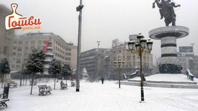 ФОТО ГАЛЕРИЈА: Скопје под снег
