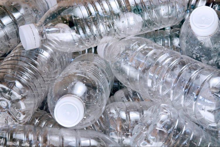 ВИДЕО: Не ги фрлајте пластичните шишиња – трикови за секоја домаќинка