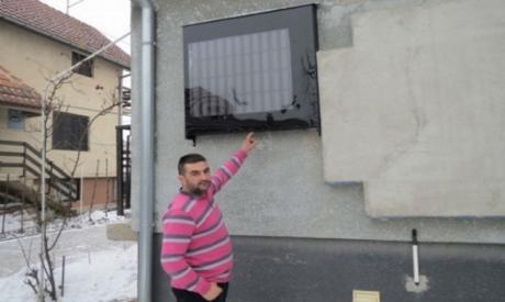 ФОТО: Дарко со 44 лименки пиво ја згреа цела куќа и заштеди!