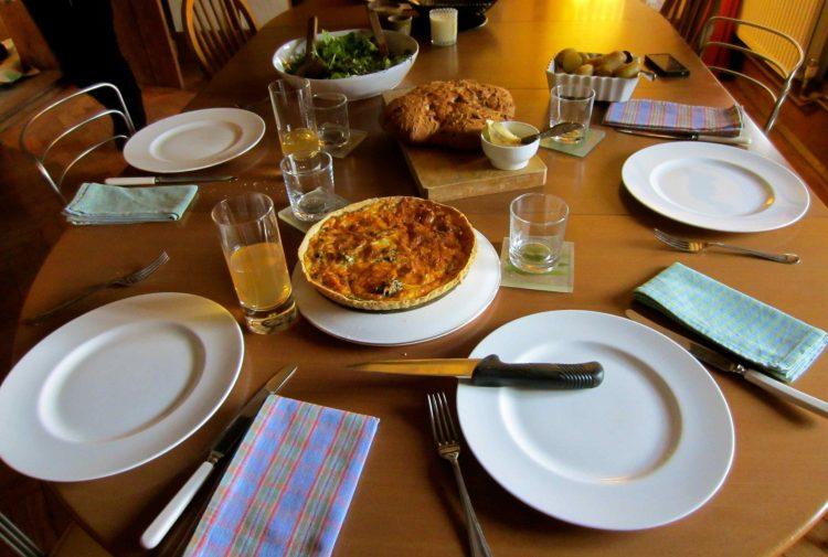 До четврток пред легнување оставајте храна на масата – еве зошто