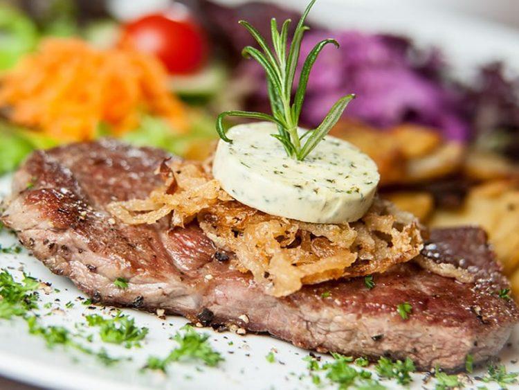 Нема повкусно месо: Ловечка шницла со сос од печурки