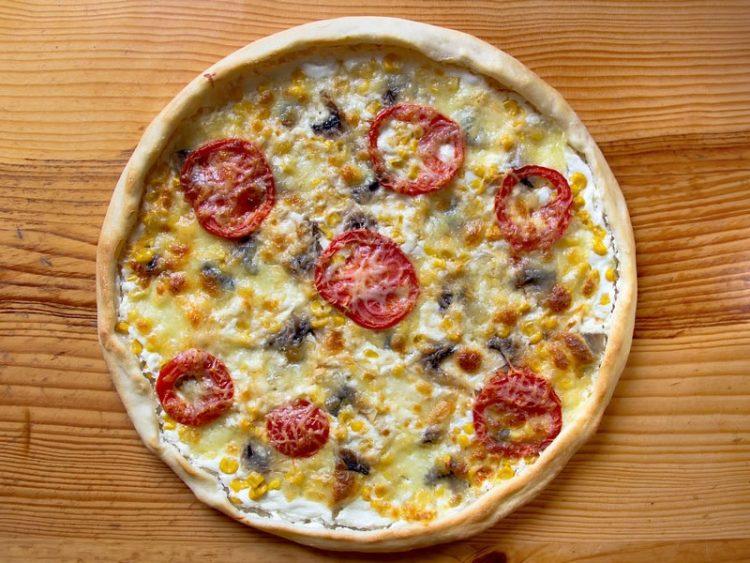 Пица со пилешко месо