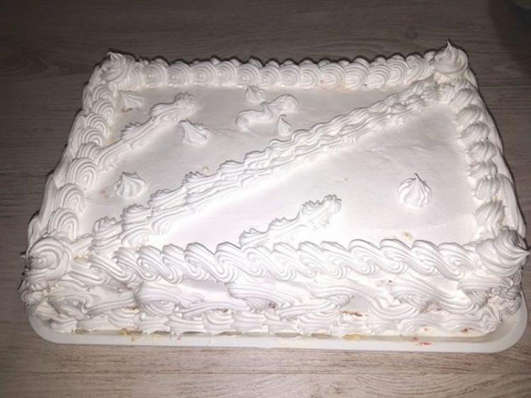 Плазма торта со бело чоколадо и ореви – Десерт од 6 состојки