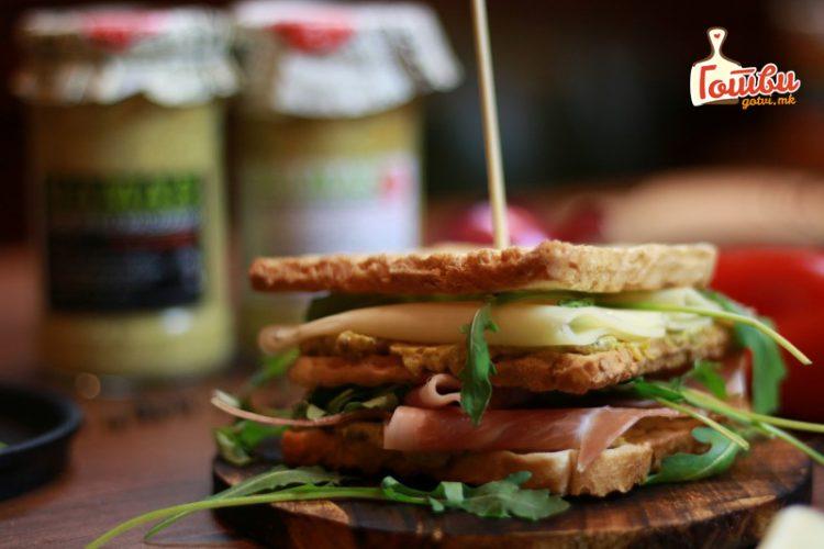 ВИДЕО: Толку вкусен сендвич кој добро изгледа досега не сте пробале