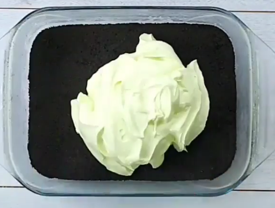 НЕМА ПЕЧЕЊЕ: Леден колач готов за миг