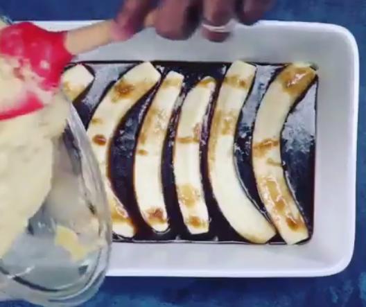 ПОВЕЌЕ ОД ТОРТА: Карамелизираше банани, доби ФАНТАЗИЈА