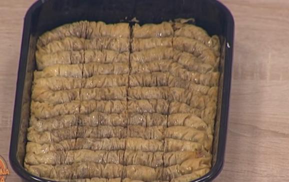 Највкусниот десерт: Направете ролована баклава