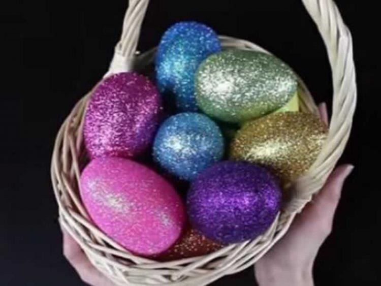 Прекрасна боја и кристали кои блескаат – Велигденски јајца со вино