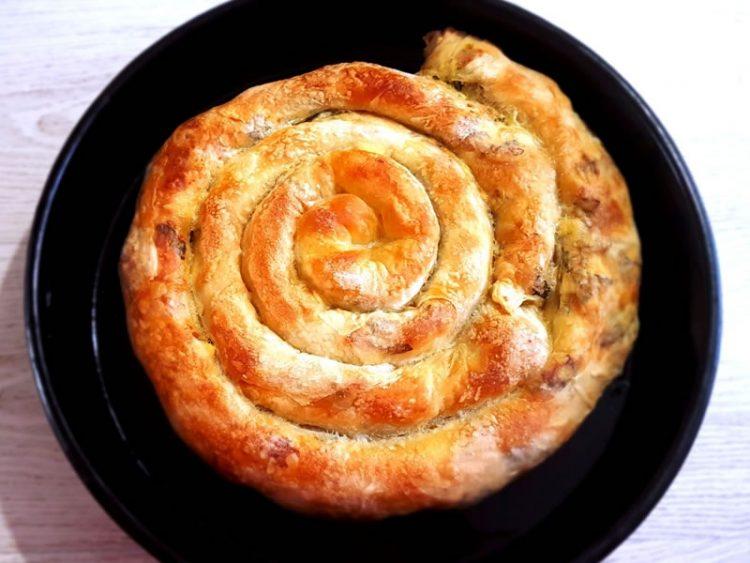 ПРЕЛИВ ЗА ПИТА – ако сакате пита како од пекара, тајната е откриена!