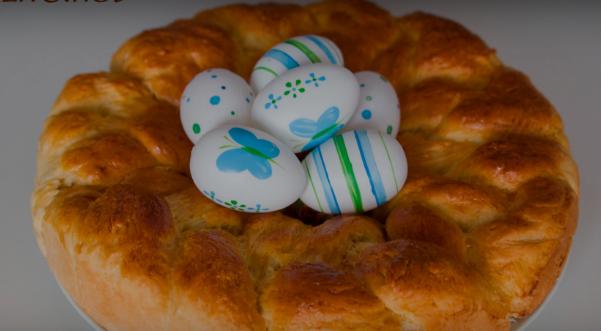 МАГИЈА НА ТРПЕЗАТА: Велигденски колач