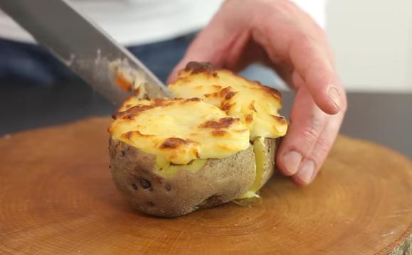 НОВ ВКУС ВО КУЈНАТА: Буцко компири – повкусно од мусака
