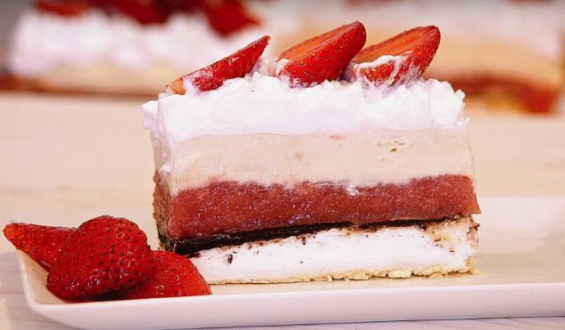 Торта со јагоди