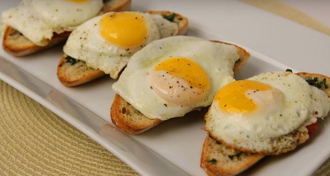 ЗАКУСКА ЗА МЕДАЛ: Брускети со јајце