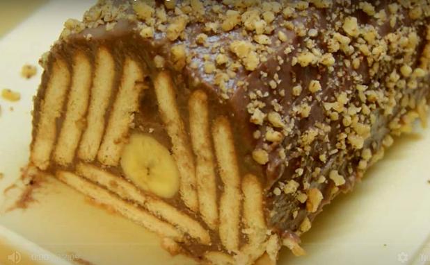НЕМА ДЕСЕРТ КОЈ ПОЛЕСНО СЕ ПРАВИ: Мозаик колач од пудинг и банани