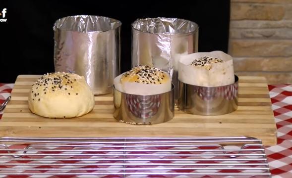 Ви требаат картон и фолија – направете ги највкусните лепињи