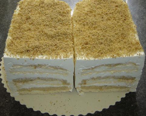 Ова е дефинитивно најдобриот колач: Се прави во два потега, вкусот е боженствен