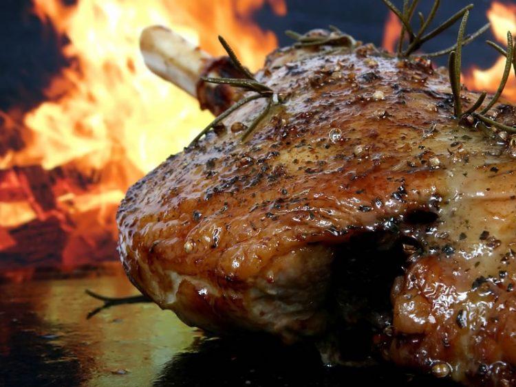 Месо кое се топи во уста: Ароматично јагнешко