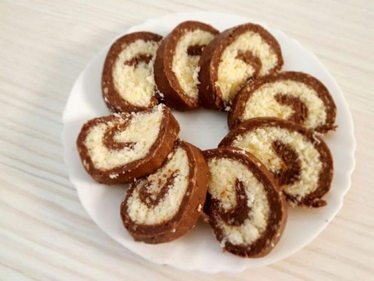 Ако сте љубител на кокос, ова е најдобриот десерт за вас! (ВИДЕО)