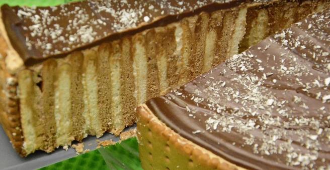 НЕМА МАКА И ПЕЧЕЊЕ: Торта со еурокрем готова за секунда