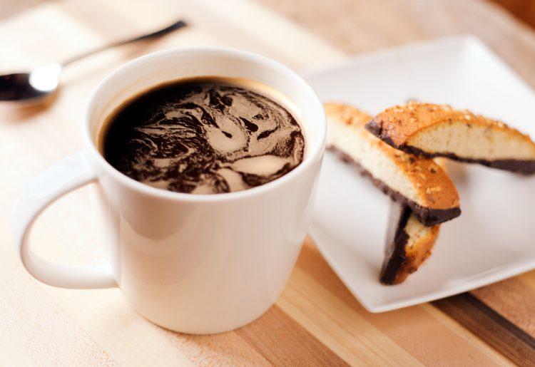 Сите грешиме тука – што се случува кога пиеме кафе на празен стомак?