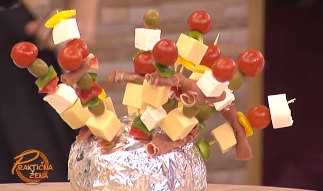 Зелката не е само за салати и сарма – нема да верувате каков деликатес е ова