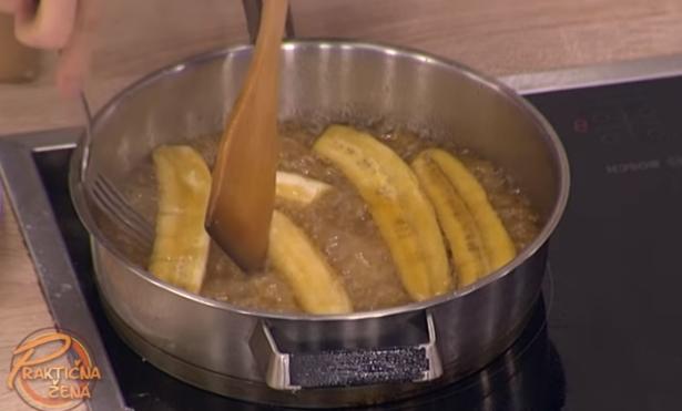 ВАКВО НЕШТО НЕ СТЕ ПРОБАЛЕ: Поховани јаболка по најдобар рецепт