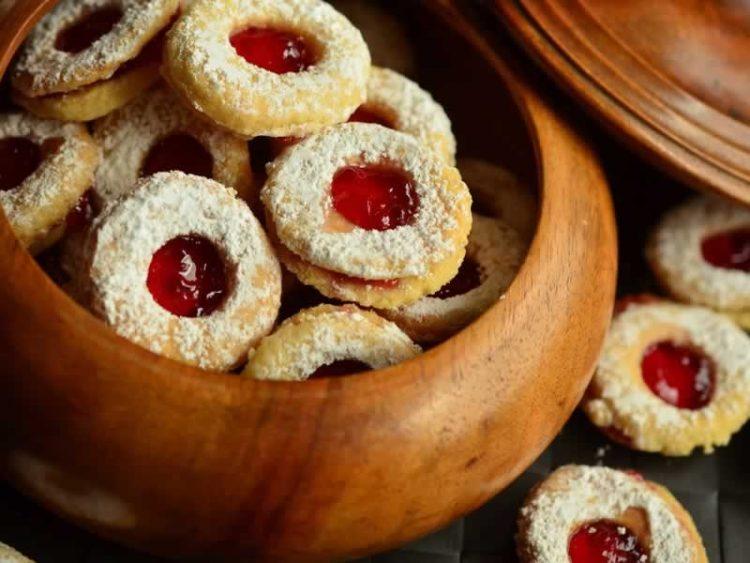 Лесни, тенки, ароматични – Колачиња за Божиќ со пекмез