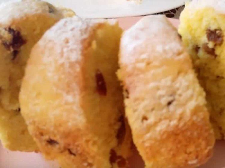 Лимон колач со јогурт и суво грозје: Вкус кој освојува!