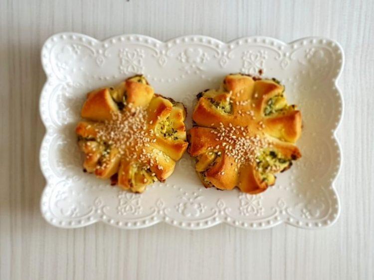 Ружи полнети со спанаќ и сирење