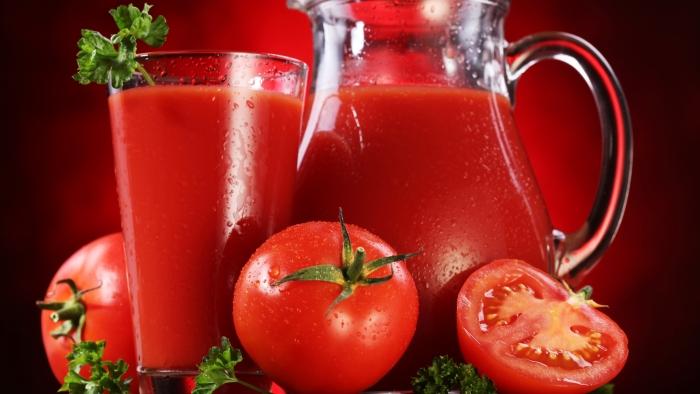 РИЗНИЦА ОД ЗДРАВЈЕ: Сок од домати – 1001 причина зошто да го пиете