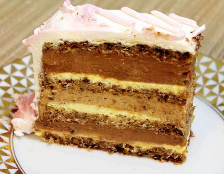 Торта од пудинг, кекс и кокос – нема печење, нема мачење, што повеќе?