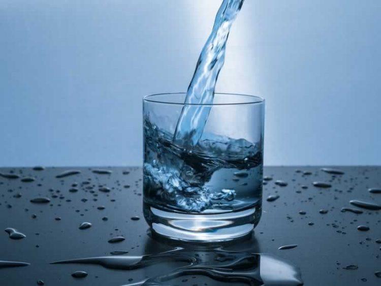 Како водата влијае на нервозата и вознемиреноста во организмот?