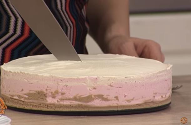 Трослојна сладолед торта