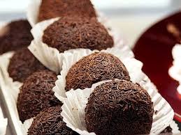 Чоколадни бомбици готови за миг – без шеќер, нема ниту печење