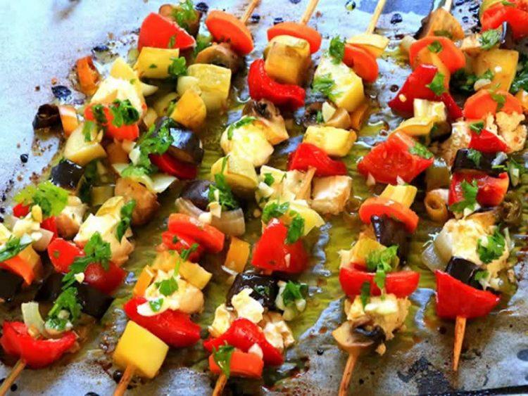 Ражничи без месо – вкусна комбинација од зеленчук и сирење