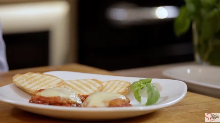 СПЕЦИЈАЛИТЕТ НА ДЕНОТ: Пилешко на италијански начин