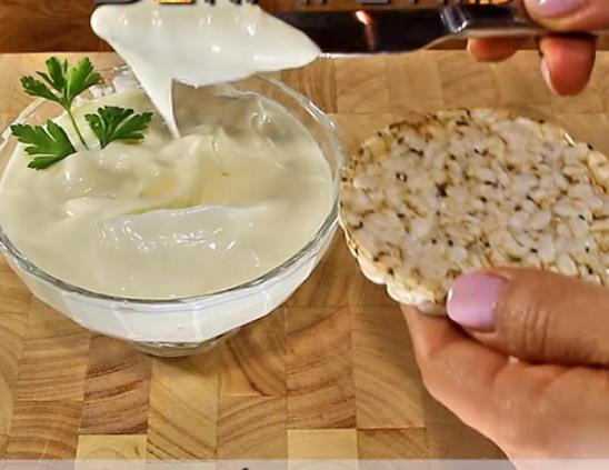 Домашен мајонез готов за 30 секунди – можно е ова е тајната